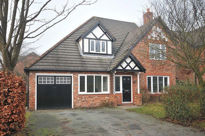 4 Bedrooms Detached House for sale in Sandringham Close, Kingsmead, Nr Davenham