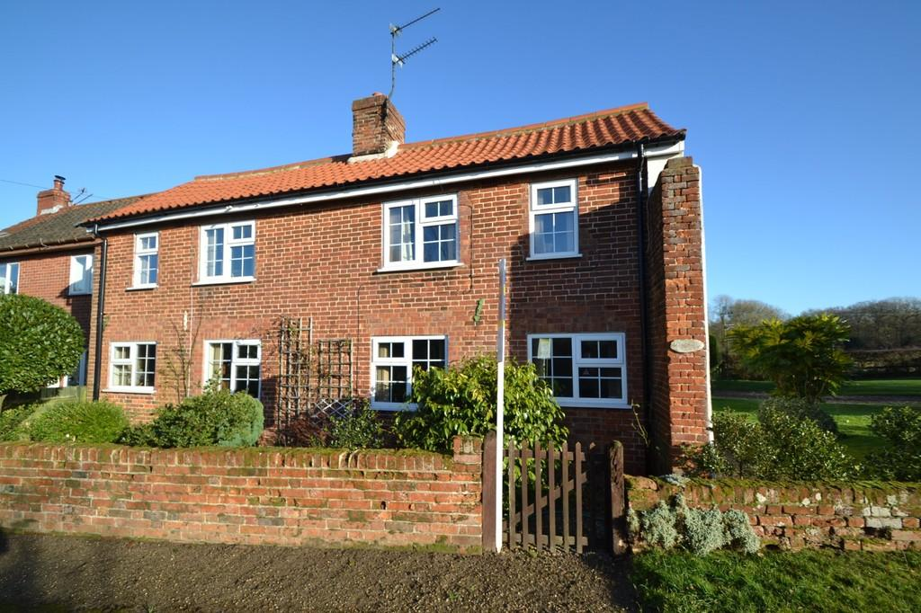 3 Bedrooms Semi Detached House for sale in Thurning (Nr Holt)