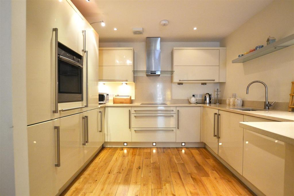 2 Bedrooms Apartment Flat for sale in Upper Frog Street, Tenby