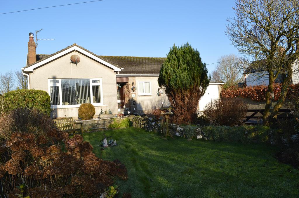 3 Bedrooms Detached Bungalow for sale in Llanbethery, Vale of Glamorgan CF62