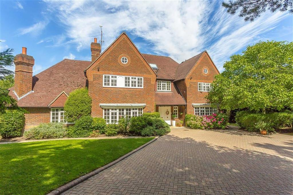 6 Bedrooms Detached House for sale in Neb Lane, Old Oxted, Surrey