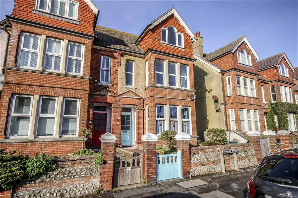 3 Bedrooms Flat for sale in Avondale Road, Seaford