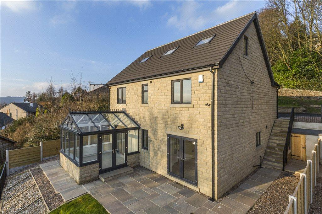 5 Bedrooms Detached House for sale in Slade Lane, Riddlesden, Keighley, West Yorkshire