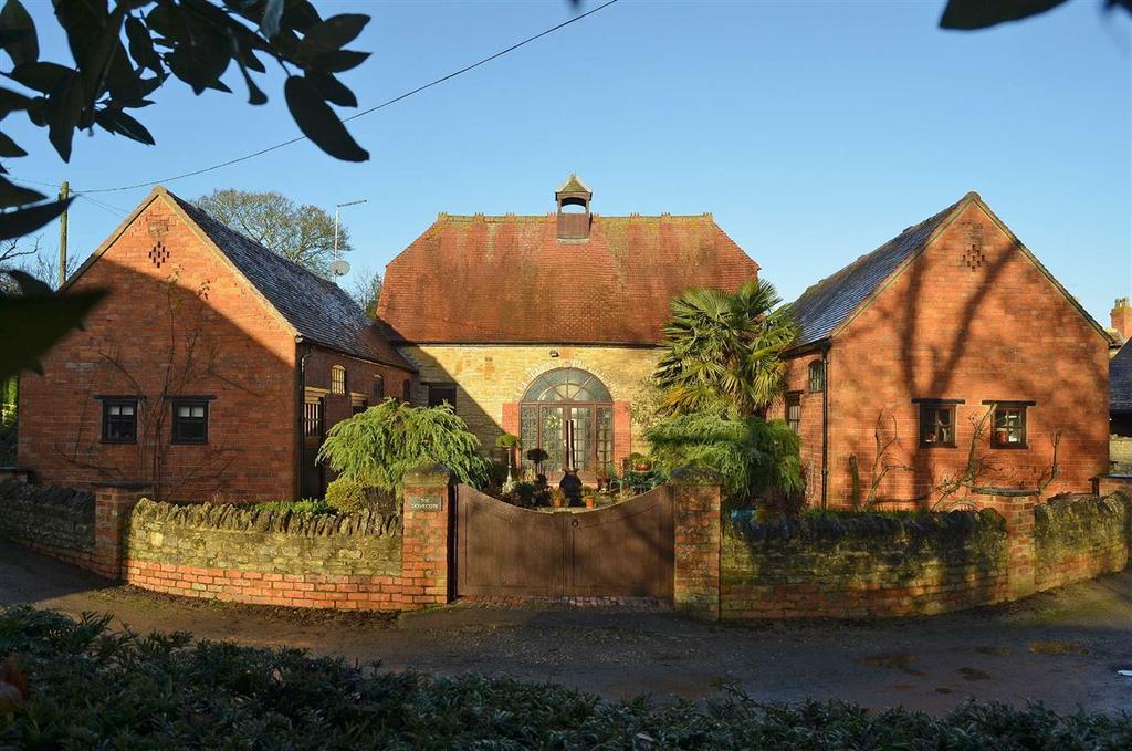 3 Bedrooms Cottage House for sale in Stoke Bruerne