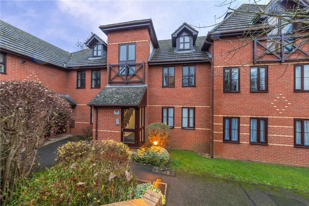 1 Bedroom Flat for sale in Balfour Court, Harpenden, Hertfordshire