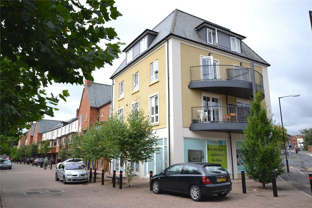 2 Bedrooms Flat for sale in Old Station Way, Yeovil, Somerset