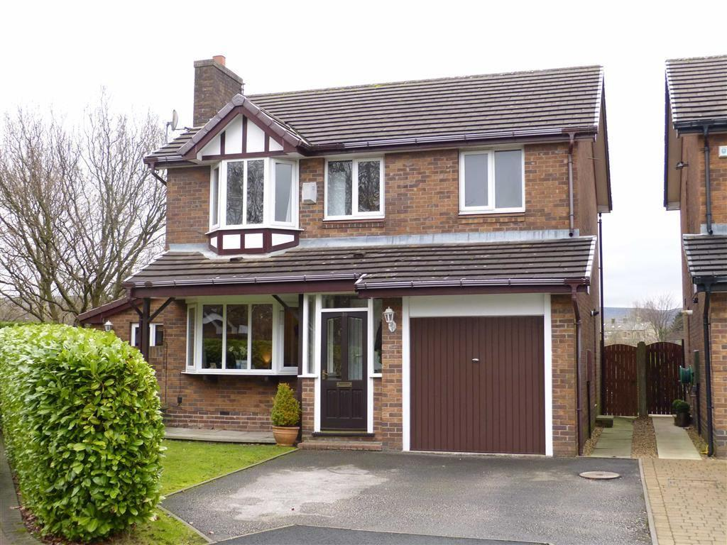 4 Bedrooms Detached House for sale in Arundel Grange, Glossop