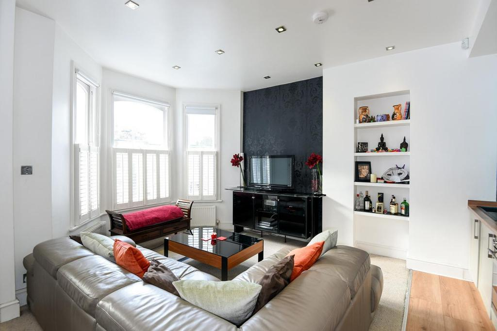 2 Bedrooms Maisonette Flat for sale in Crookham Road, Fulham