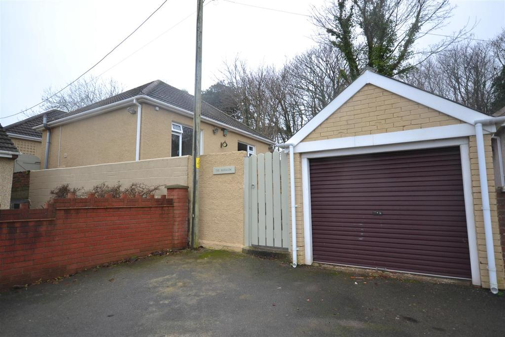 4 Bedrooms Detached Bungalow for sale in Hakin, Milford Haven