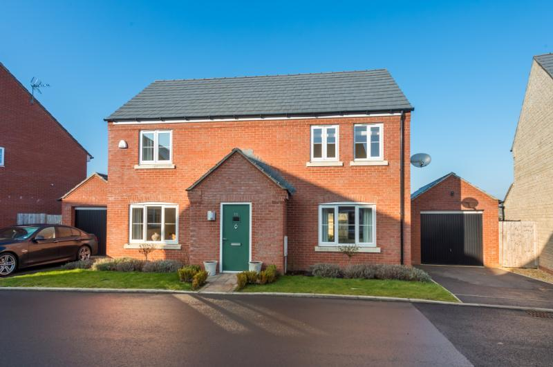 4 Bedrooms Detached House for sale in Chilton Field Way, Chilton, Didcot