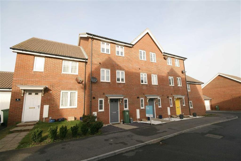 4 Bedrooms Terraced House for sale in Sarnia Close, Peacehaven