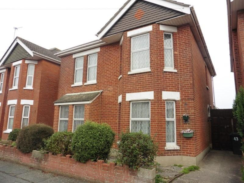 3 Bedrooms Detached House for sale in Highfield Road, Bournemouth