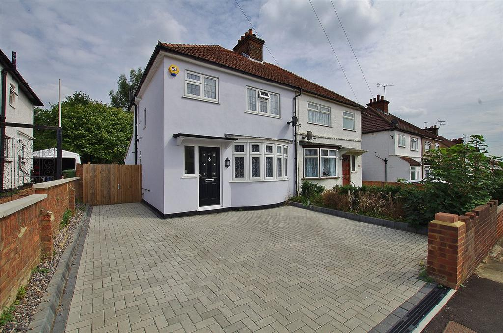 3 Bedrooms Semi Detached House for sale in Beechwood Rise, Watford, Hertfordshire, WD24