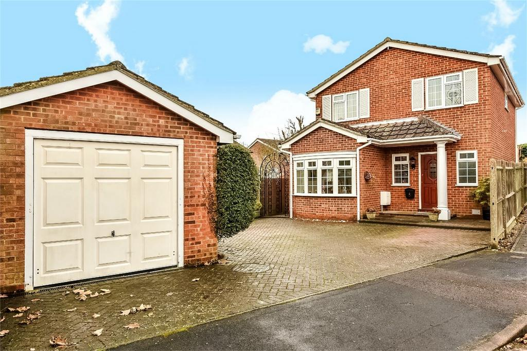 3 Bedrooms Detached House for sale in Alton, Hampshire