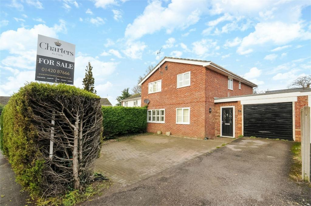 4 Bedrooms Detached House for sale in Whitehill, Bordon, Hampshire