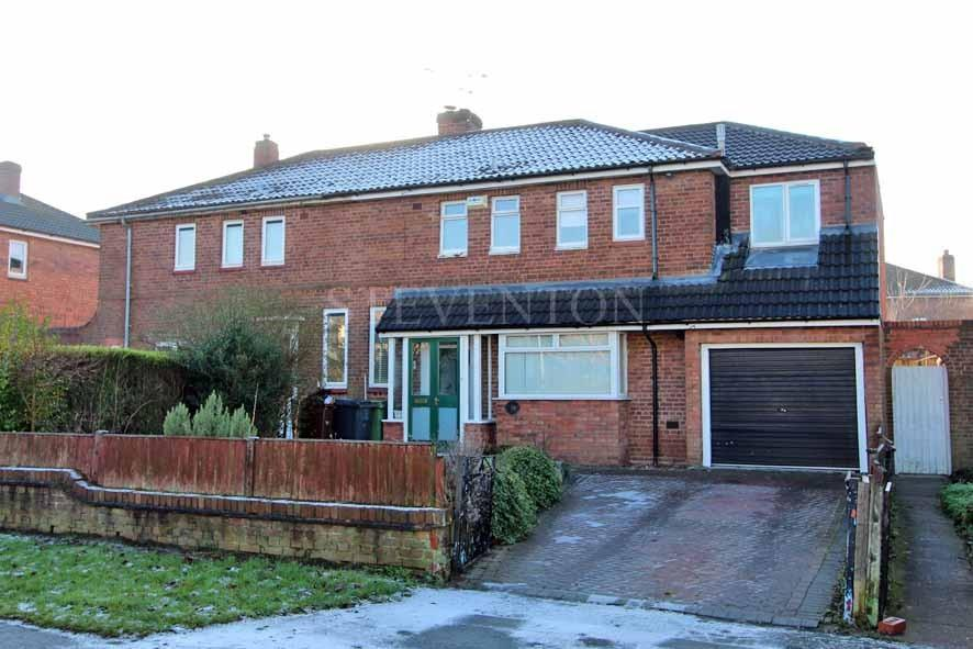 4 Bedrooms Semi Detached House for sale in School Road, Tettenhall Wood, Wolverhampton