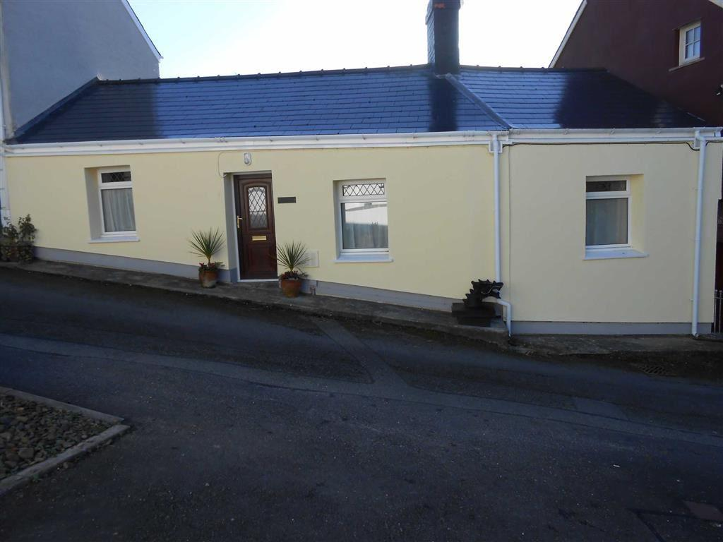 2 Bedrooms Cottage House for sale in Beechwood Hill, Llanarth