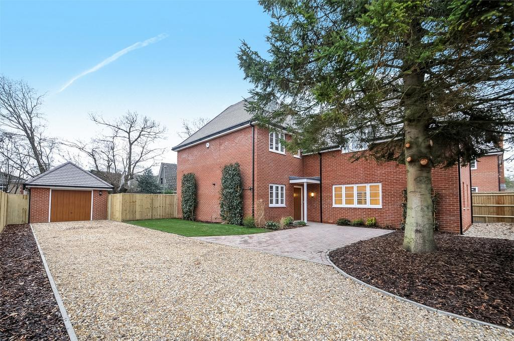 4 Bedrooms Detached House for sale in Horton Heath, Eastleigh, Hampshire