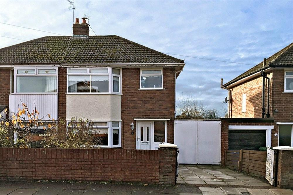 3 Bedrooms Semi Detached House for sale in Spinney Avenue, WIDNES, Cheshire