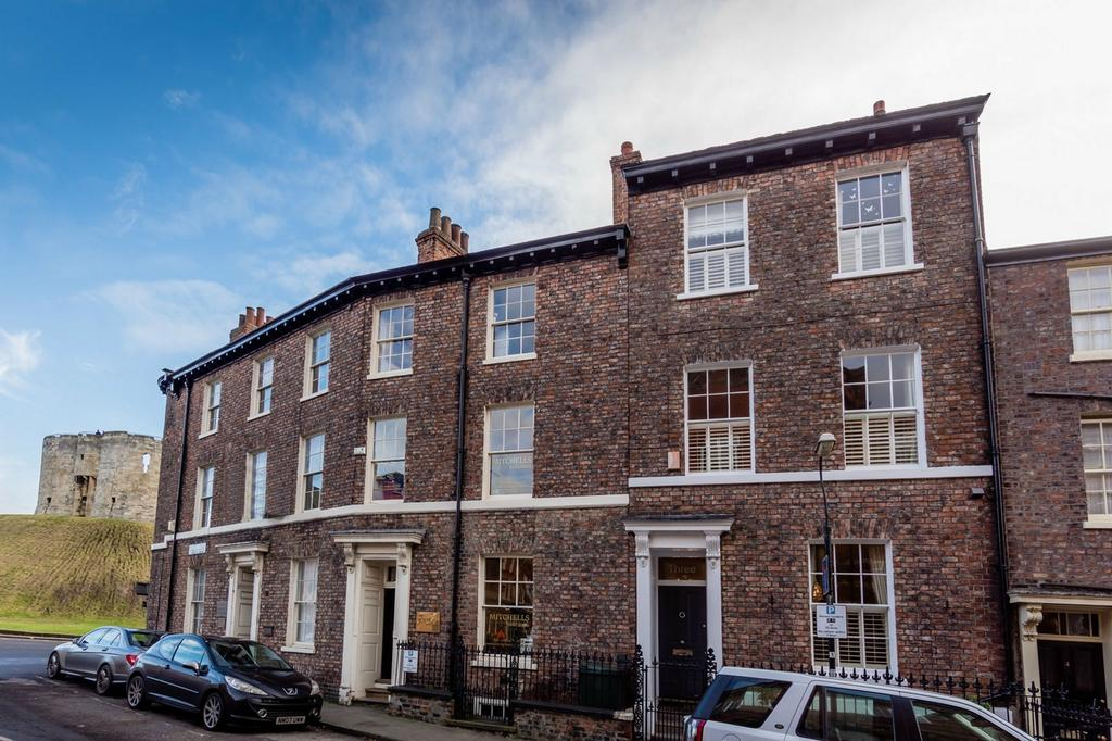 4 Bedrooms Terraced House for sale in Peckitt Street, YORK