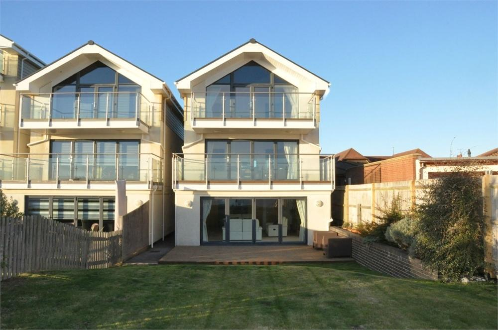 5 Bedrooms Detached House for sale in 199 Cooden Drive, Cooden, Bexhill-On-Sea