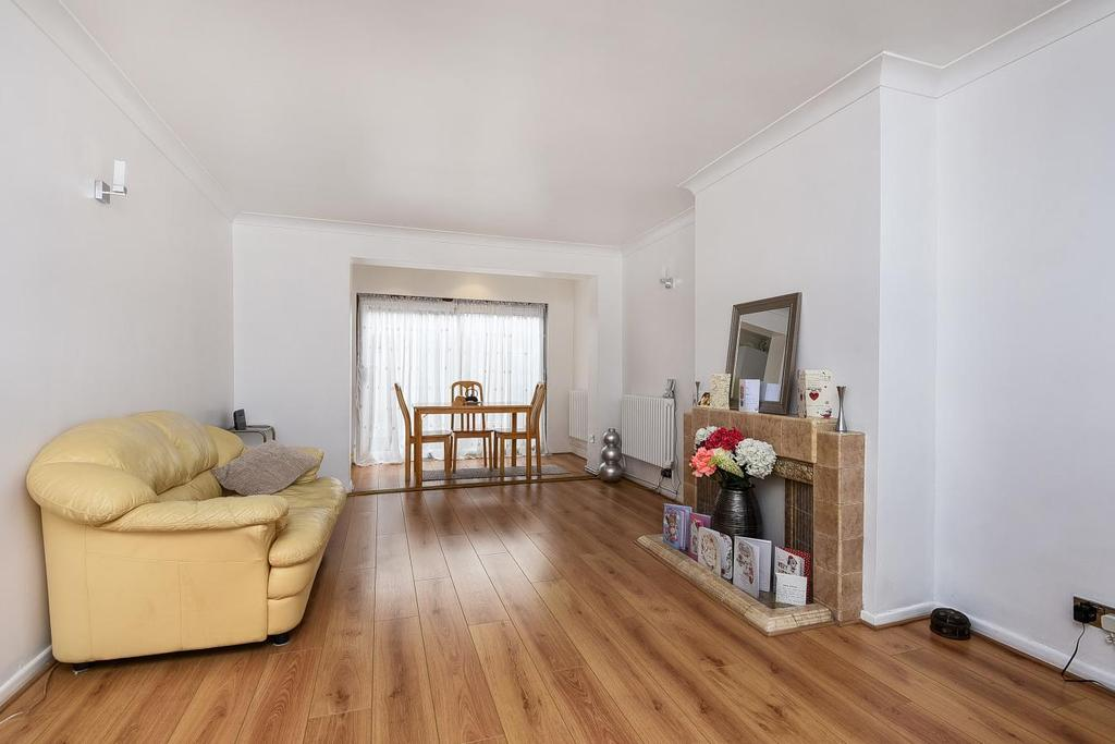 3 Bedrooms Terraced House for sale in Trelawn Road, Brixton, SW2