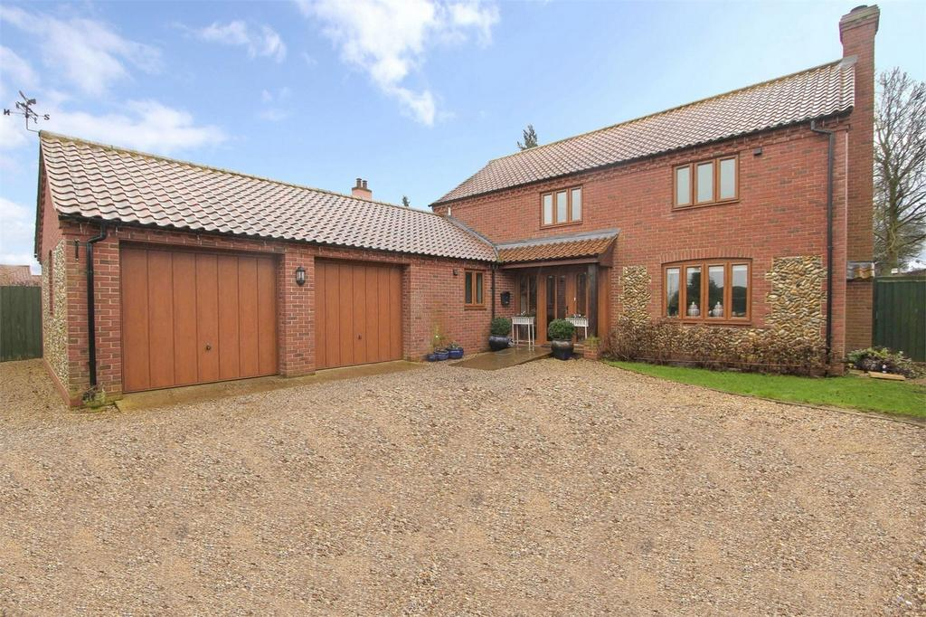 4 Bedrooms Detached House for sale in The Street, Beeston, Norfolk