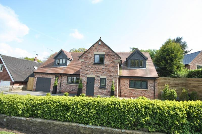 5 Bedrooms Detached House for sale in Broughton Road, Adlington, SK10