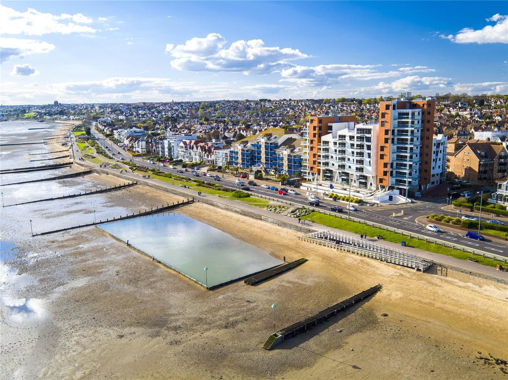 2 Bedrooms Flat for sale in E8, The Shore, 22-23 The Leas, Westcliff On Sea, Essex, SS0