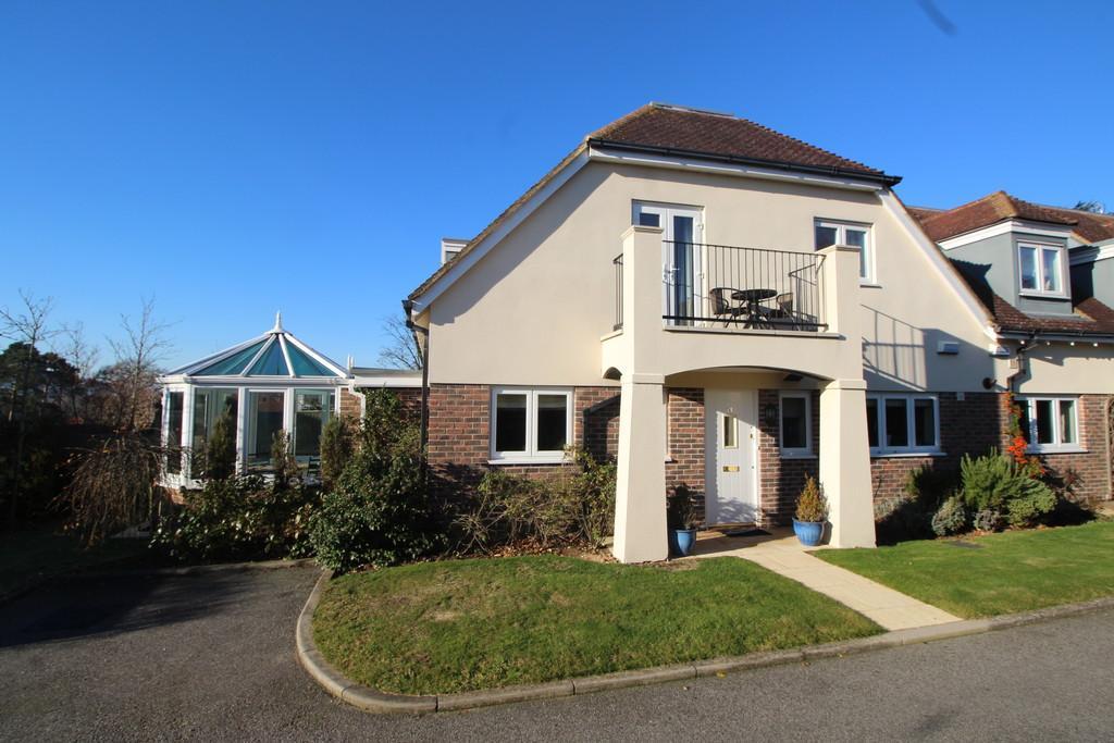 2 Bedrooms Cottage House for sale in Storrington