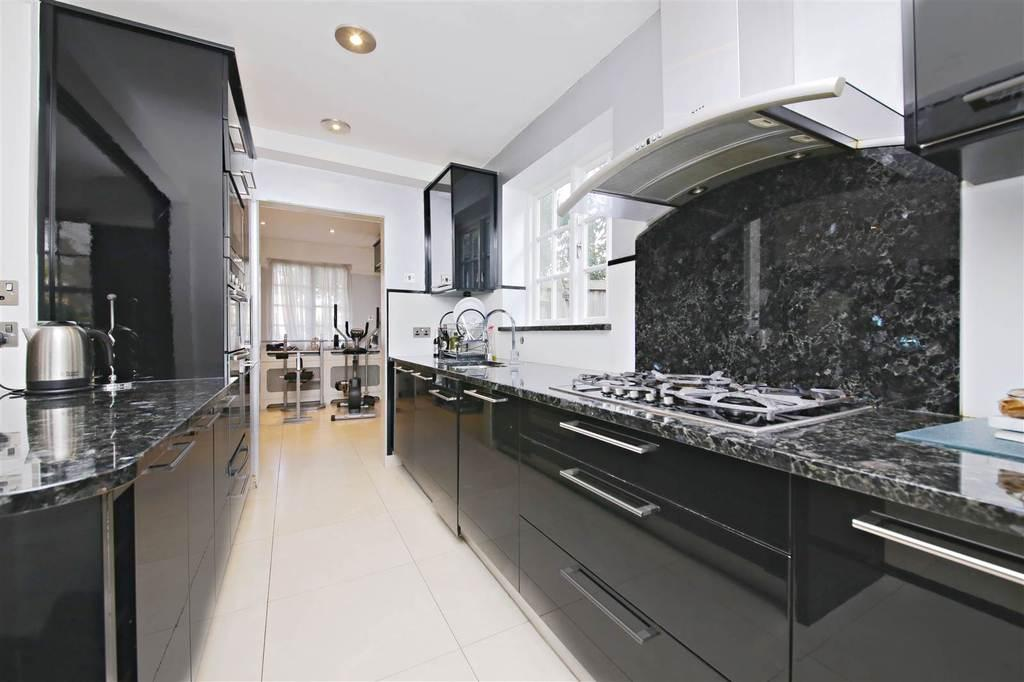 5 Bedrooms Detached House for sale in Wildwood Road, Hampstead Garden Suburb, London, NW11