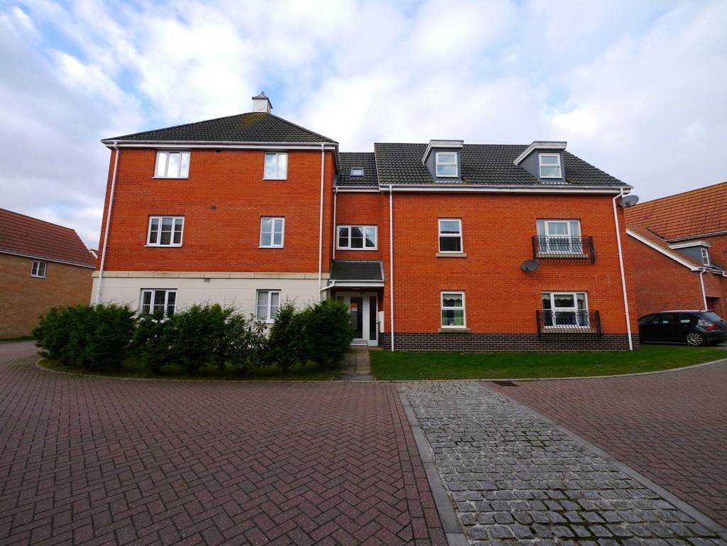 2 Bedrooms Apartment Flat for sale in Killick Crescent, Carlton Colville, Lowestoft