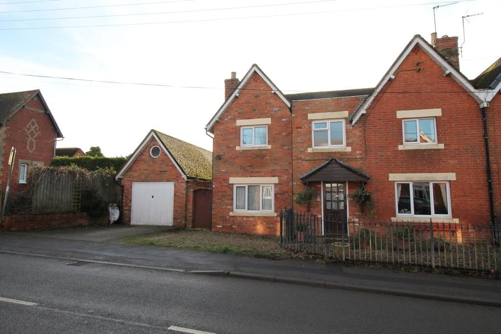 4 Bedrooms Semi Detached House for sale in Newlands, Naseby