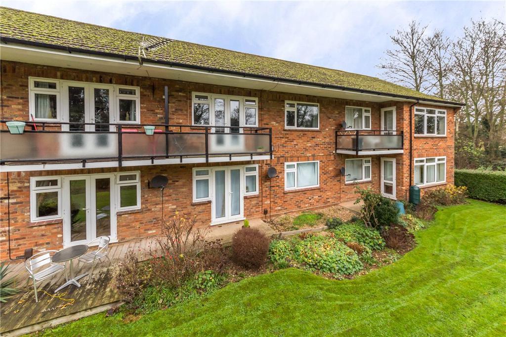 1 Bedroom Flat for sale in Grove Road, Harpenden, Hertfordshire