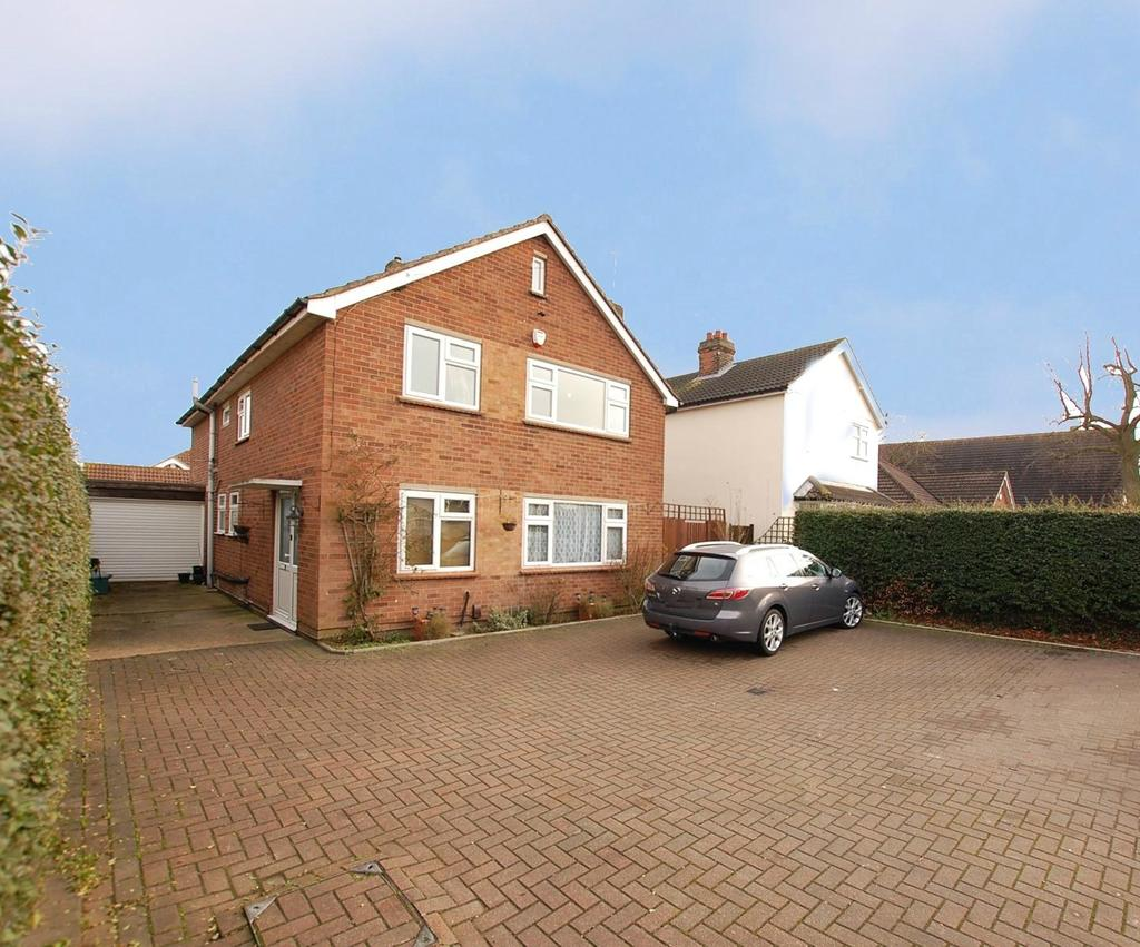 4 Bedrooms Detached House for sale in Straight Road, Colchester, Essex, CO3