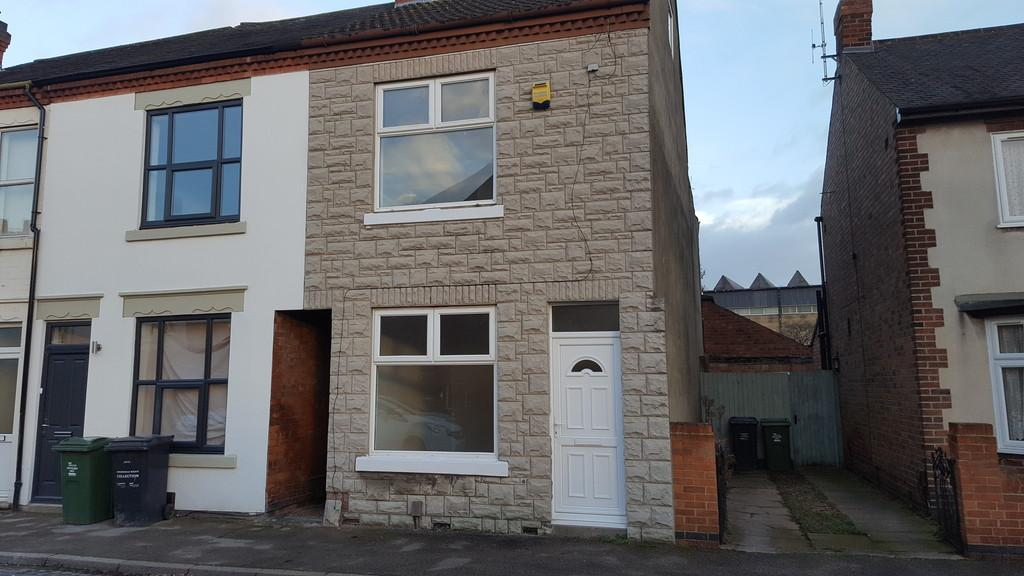 2 Bedrooms Semi Detached House for sale in King Edward Road, Loughborough