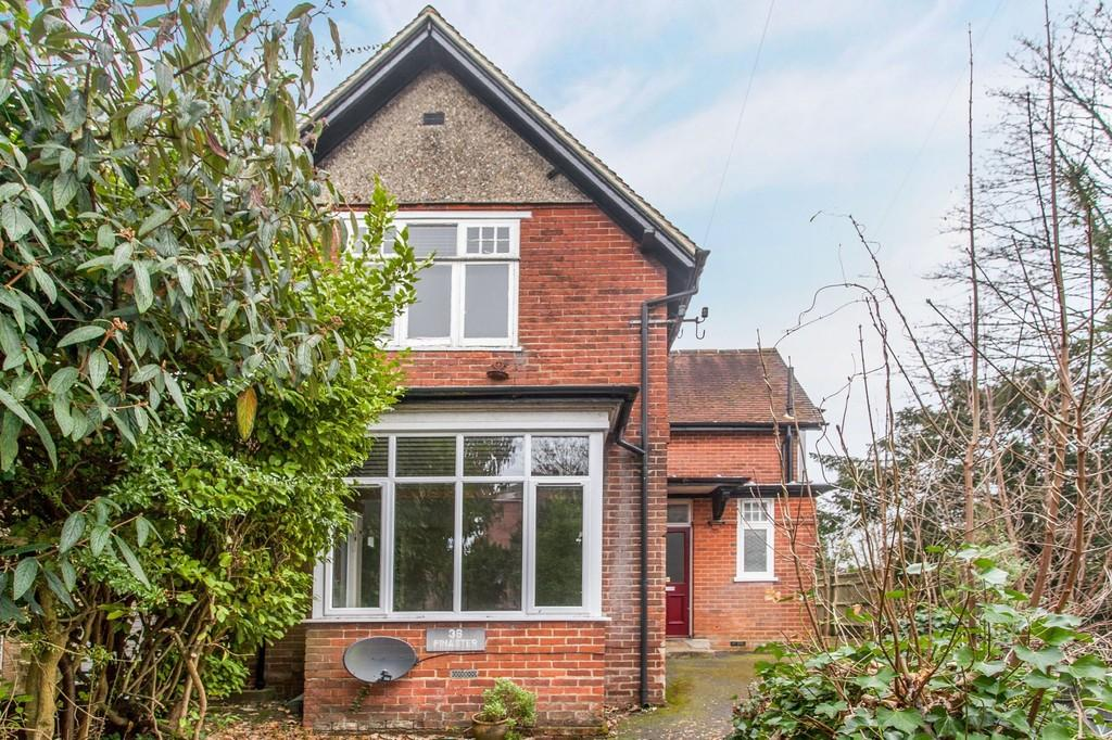 2 Bedrooms Flat for sale in Romsey Road, Winchester, SO22