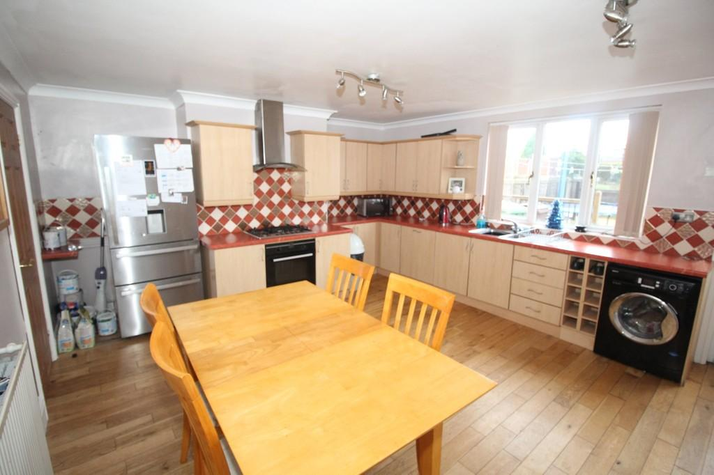 2 Bedrooms Terraced House for sale in Wakefield Road, Normanton