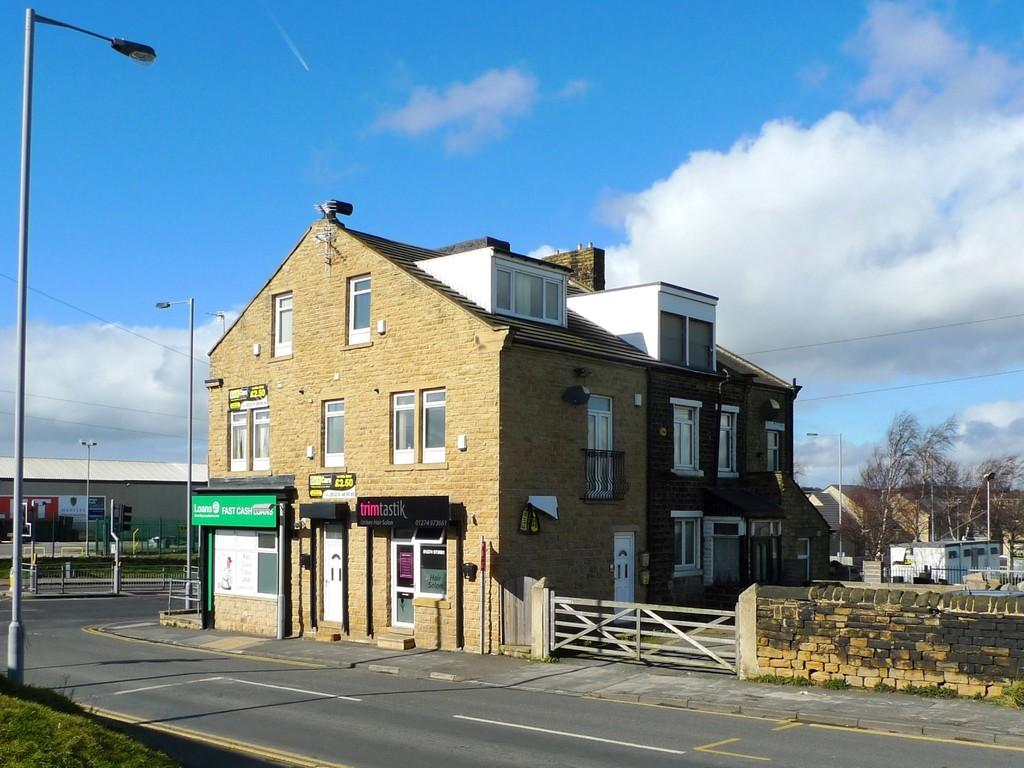 2 Bedrooms Apartment Flat for sale in Arkwright Street, Tyersal, Bradford