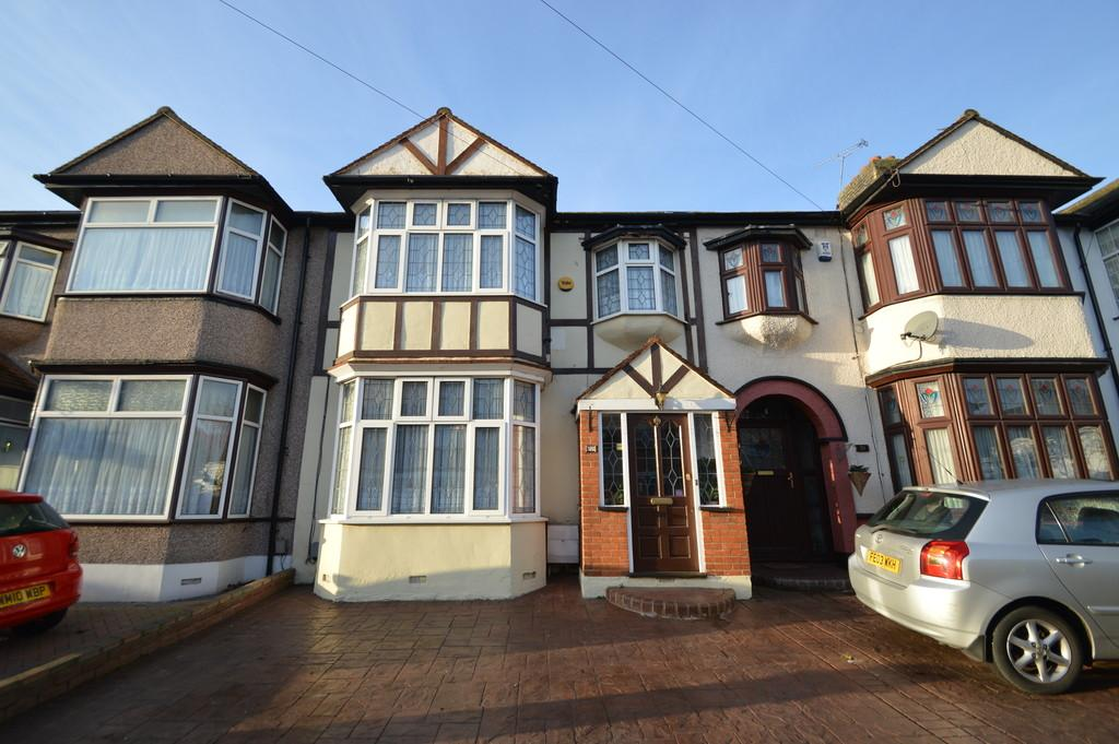 3 Bedrooms Terraced House for sale in Sheringham Drive, Barking