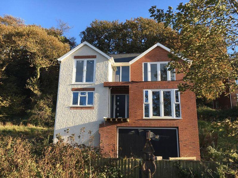 3 Bedrooms Detached House for sale in Felinheli, Gwynedd