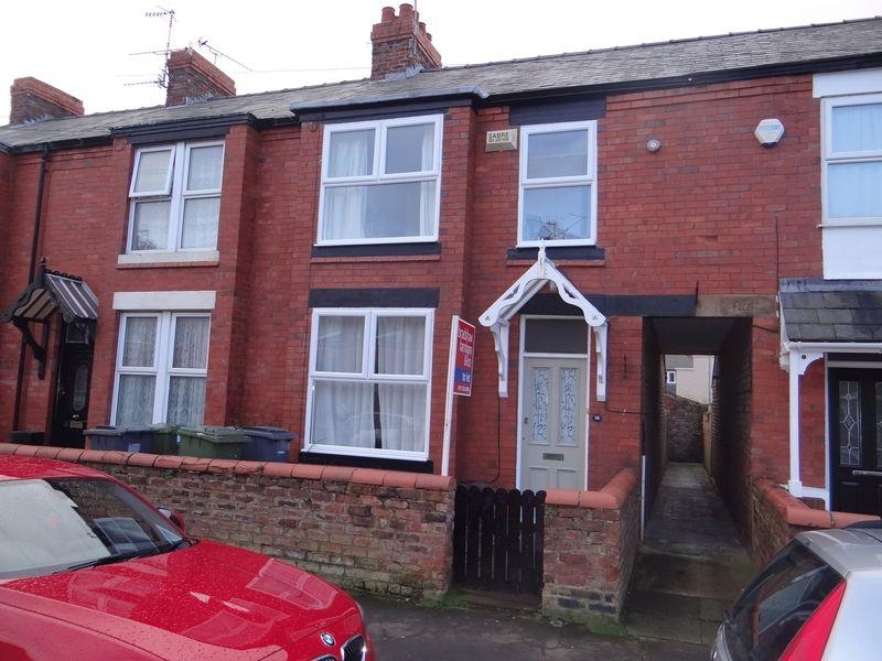 3 Bedrooms Terraced House for rent in South Road