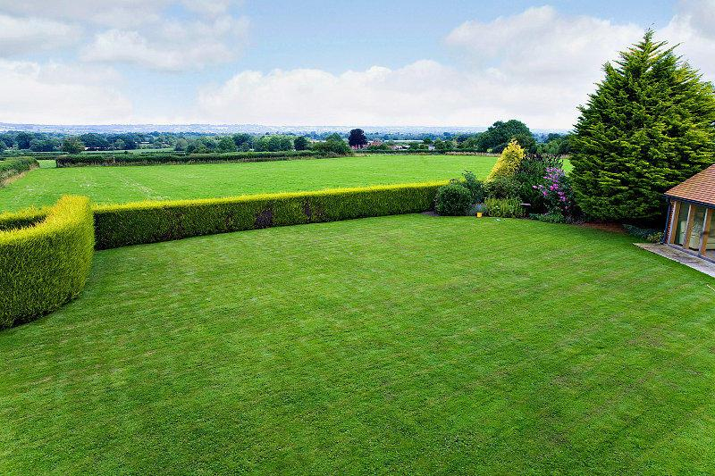5 Bedrooms Detached House for sale in High Road, Horsington