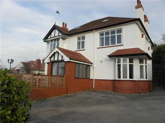 4 Bedrooms Detached House for sale in 4 Miners Lane, Old Colwyn, LL29 9HG