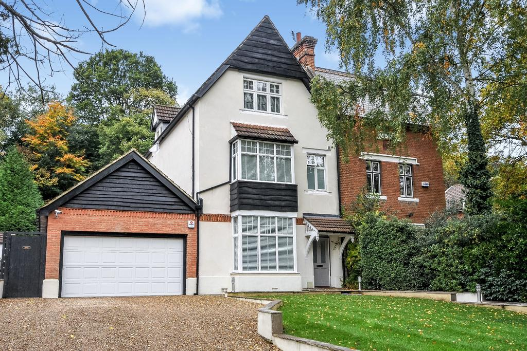 5 Bedrooms Semi Detached House for sale in Lower Camden Chislehurst BR7