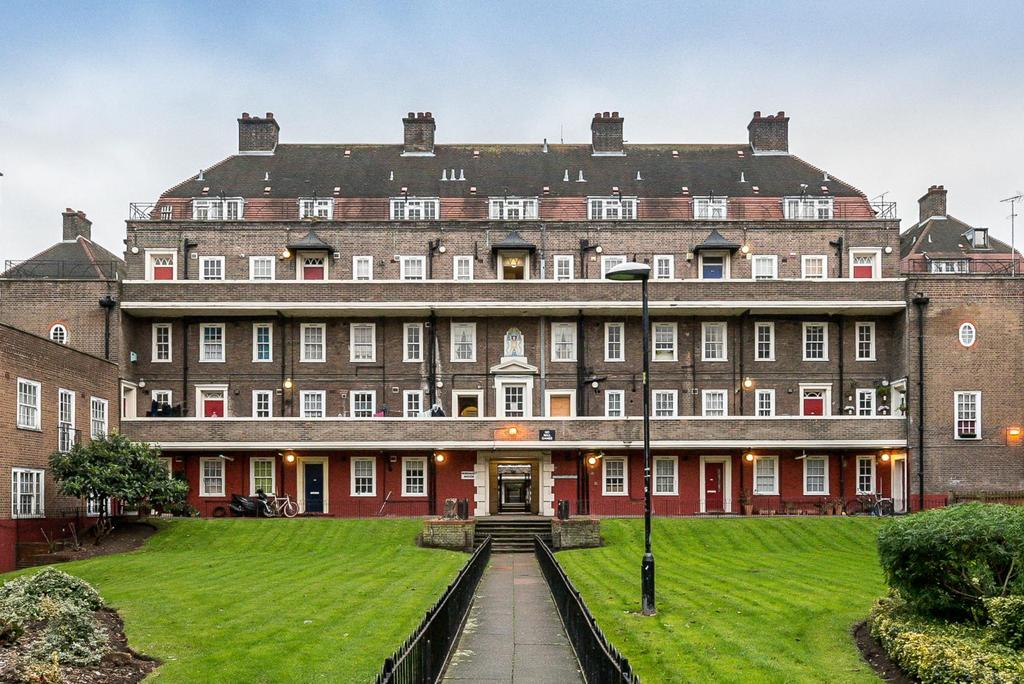 2 Bedrooms Apartment Flat for sale in ALBION AVENUE, SW8