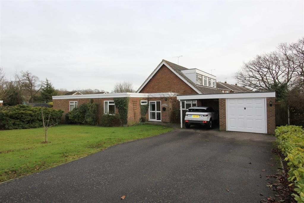 4 Bedrooms Chalet House for sale in Danbury