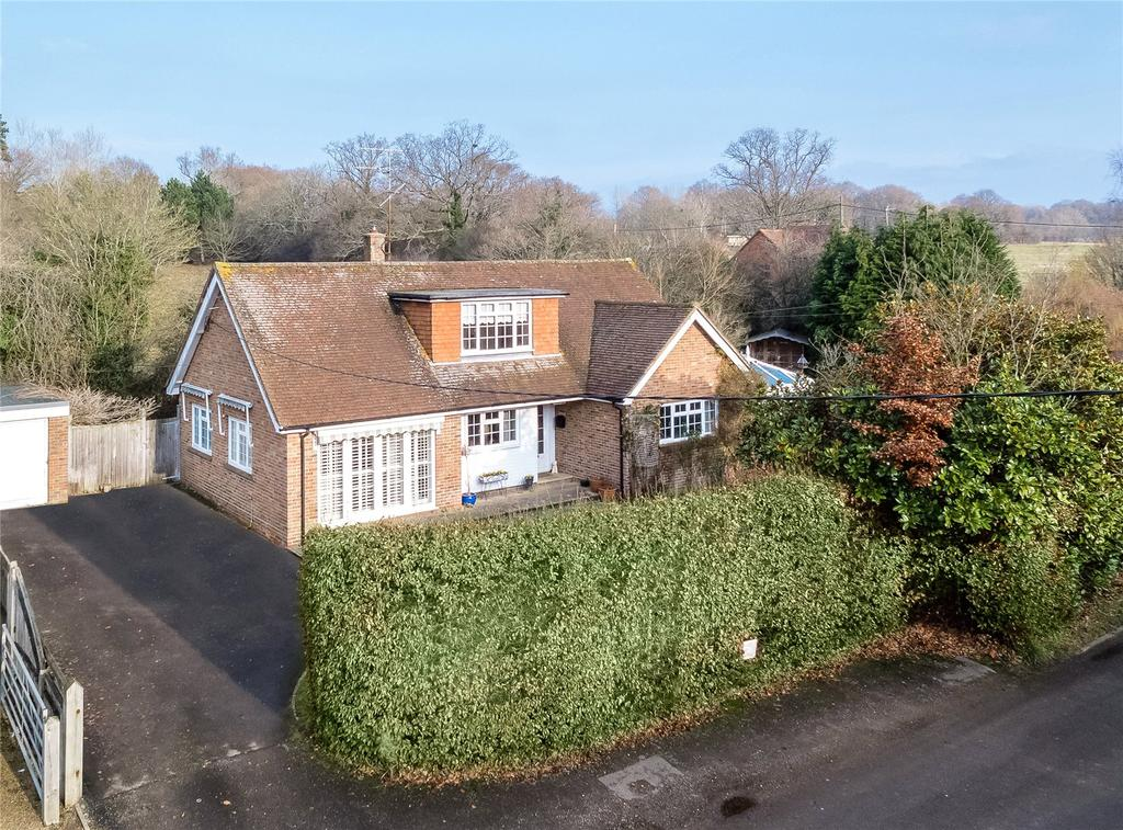 4 Bedrooms Detached House for sale in Bar Lane, Copsale, Horsham, West Sussex