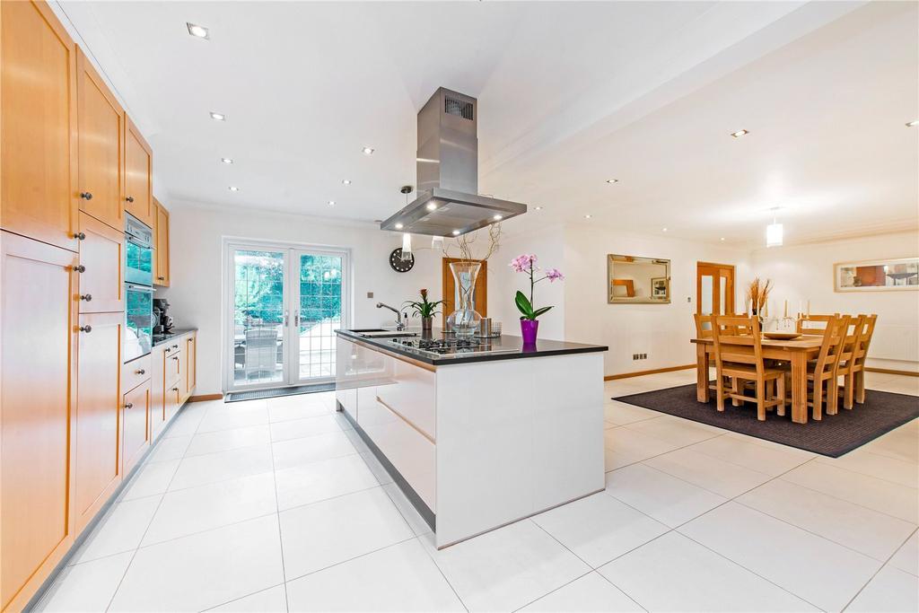 5 Bedrooms Detached House for sale in Solesbridge Lane, Chorleywood, Rickmansworth, Hertfordshire, WD3
