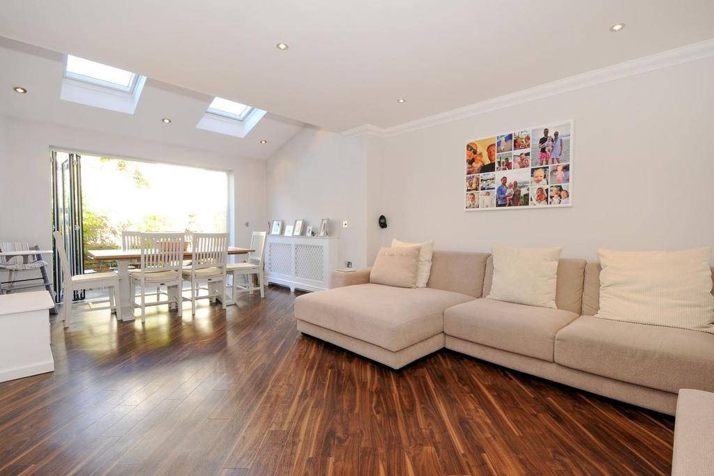 3 Bedrooms Terraced House for sale in Kent Road, West Wickham, BR4